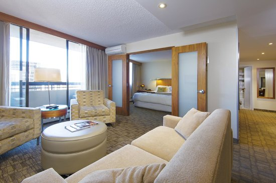 International Hotel and Spa Calgary : Executive King Suite