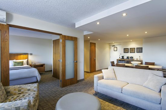 International Hotel and Spa Calgary: Executive King Suite