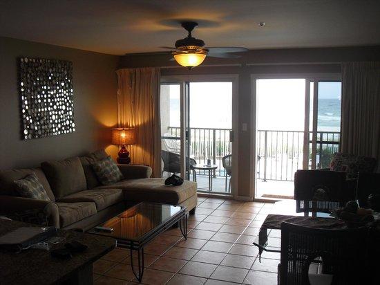 Windancer Condominiums: Living Room