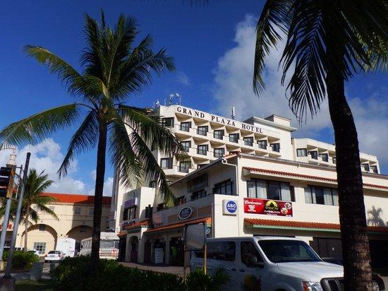 Grand Plaza Hotel: グランドプラザ