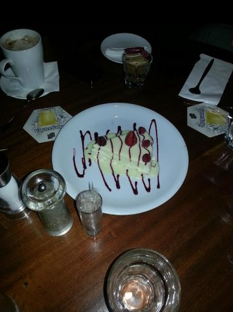 Dixie: new york cheese cake!! yami!!!