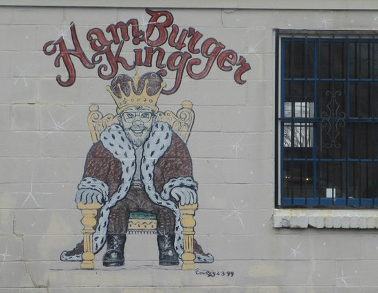 Hamburger King: Side of the building