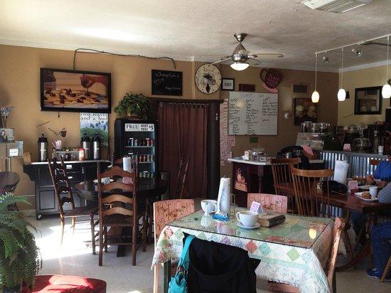 Stumpy's Cafe: room