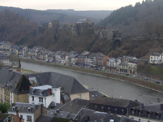 Hotel Cosy : Bouillon and its castle