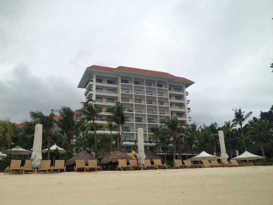 Shangri-La's Mactan Resort & Spa : the beach