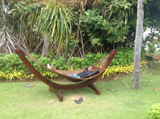 Shangri-La's Mactan Resort & Spa: relaxing hammock