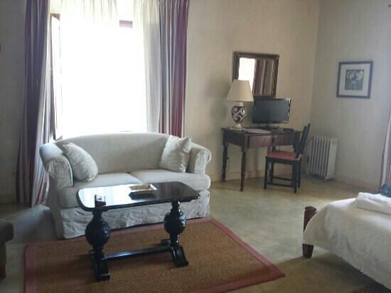 Sa Bisbal Rural Hotel: Suite con mucho encanto