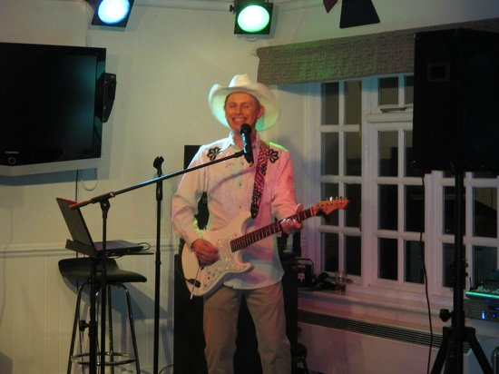 Warner Leisure Hotels Bembridge Coast Hotel: Entertainment