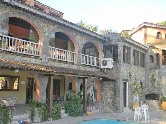 Colonna Park Hotel : Vista del salon comedor (Ahí se desayuna) desde la piscina