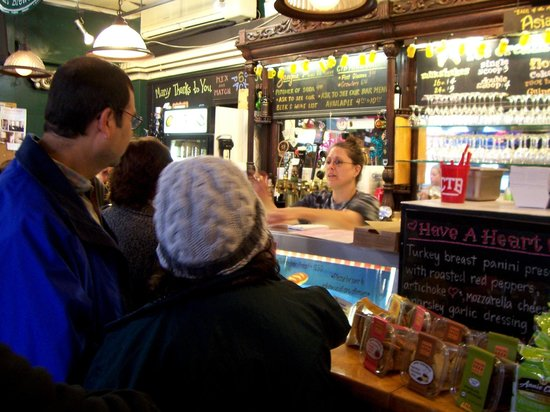 Collegetown Bagels : Ordering at the counter
