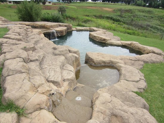 Wits End Mountain Chalets : Beautiful rock pool