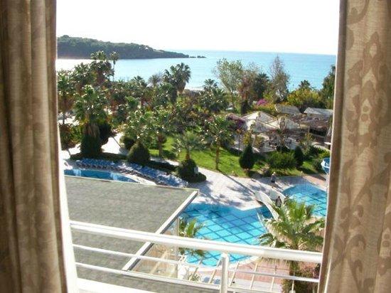 Lycus Beach Hotel: Utsikt mot havet