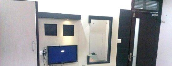 New Light Hotel: Room