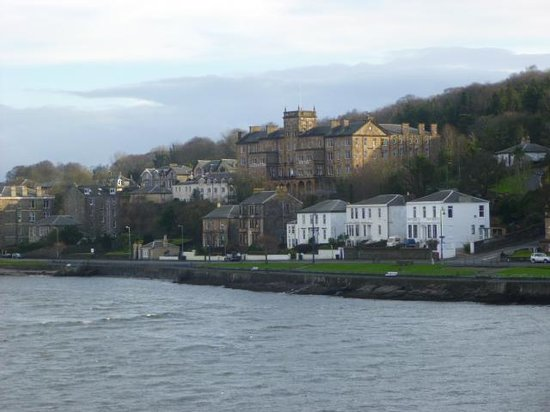 The Glenburn Hotel Ltd: hotel from the local ferry