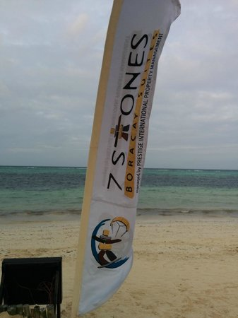 7Stones Boracay Suites: Outside on the Beach