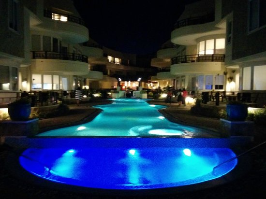 7Stones Boracay Suites : View at Night