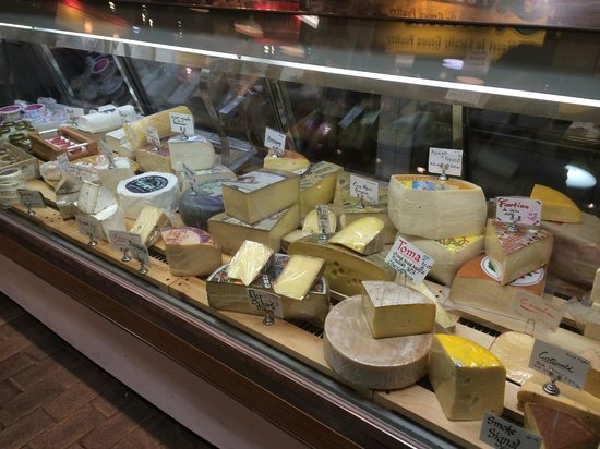 Reading Terminal Market: Mmmmmm.  Cheese!