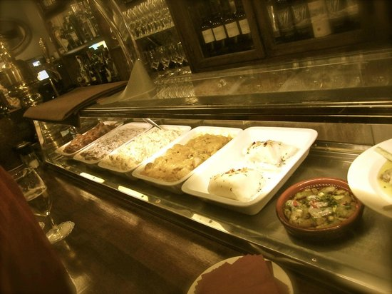 Bar Malaga Restaurante: Barra de Tapas frias