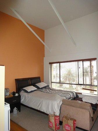Ocean Luxury Lofts & Suites: 1