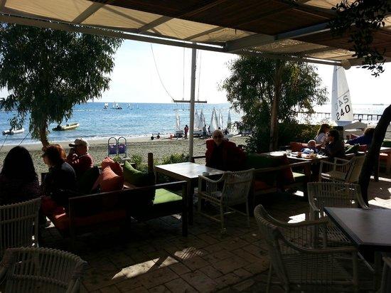 NOA restaurant & bar: Seating area outside