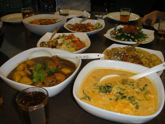 Amy Heritage Nyonya Cuisine : The main event