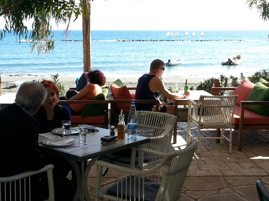 NOA restaurant & bar: View from outside tables