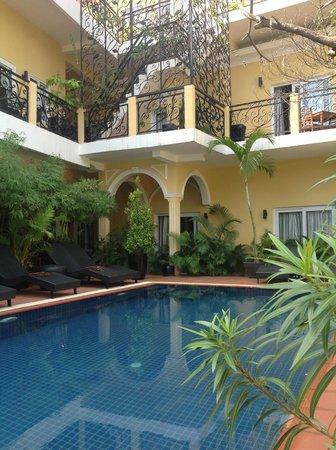 Villa Borann : Superior rooms on the ground floor facing the pool