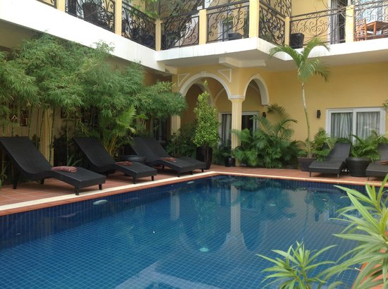 Villa Borann : From the corner of the pool