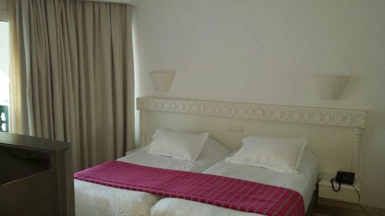 El Mouradi Palm Marina: Oue bed