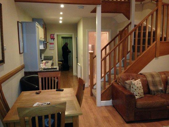 The Longlands Inn & Restaurant: downstairs