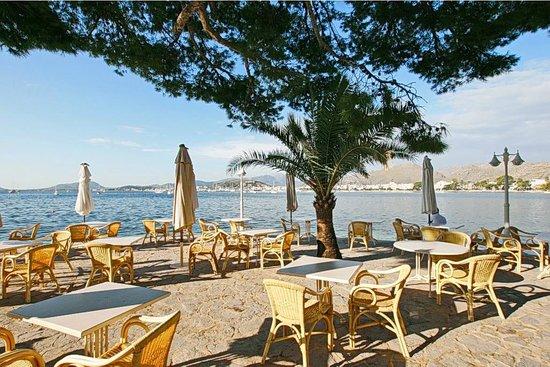 Hotel Illa d´Or: летняя площадка