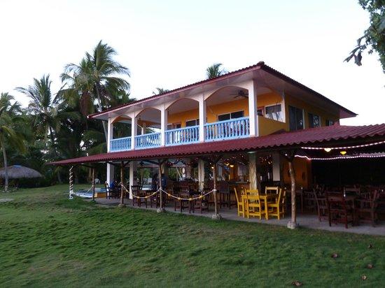 Las Lajas Beach Resort: hotel, upstairs king room views