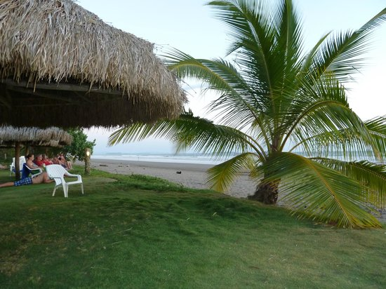 Las Lajas Beach Resort: View from dining area