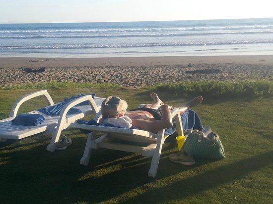 Las Lajas Beach Resort: Lounging on the beach