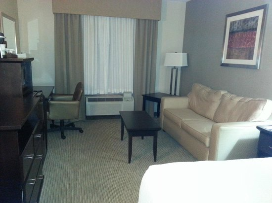 Inn at Wilmington : clean and styled room