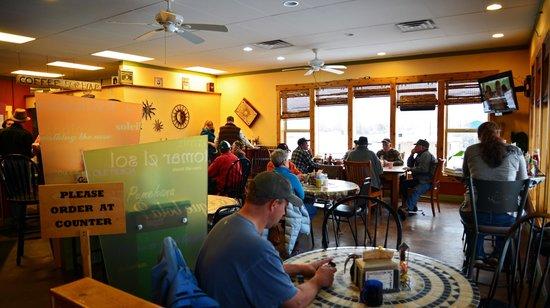 Java Lava Cafe: Dining area