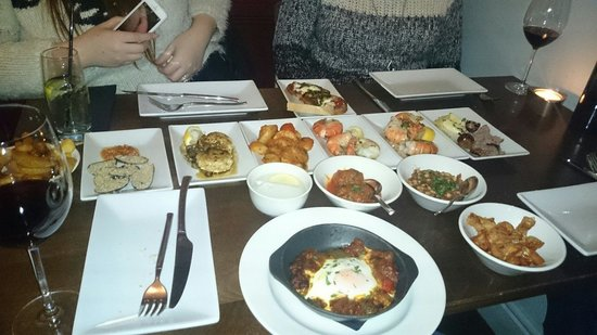 Sante Wine Bar and Restaurant: All of the food was incredible, the prawns were massive.