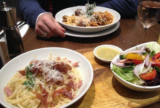 Prezzo: Spaghetti Carbonara and Spaghetti with Meatballs - sprinkled with Parmesano Reggiano