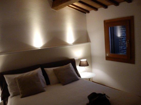 Palazzo Remondini B&B: f