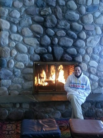 Boyne Highlands Resort: warming area by day lodge cafe