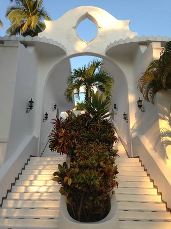 Las Hadas By Brisas : lots of stairs! work off all the great food!
