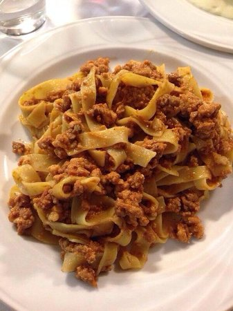 Tagliatelle alla bolognese picture of ristorante for Casalecchio di reno bologna hotel