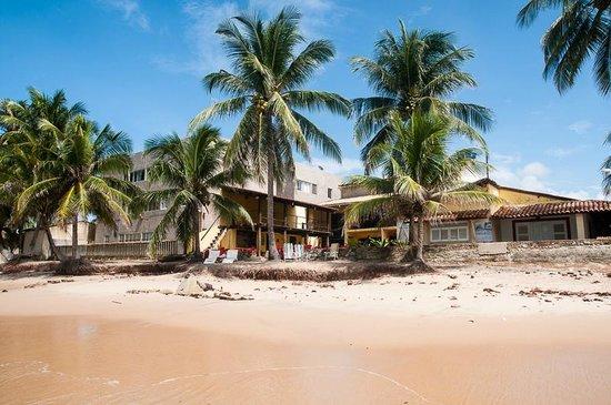 Pousada Riacho Doce : Pousada vista da praia.
