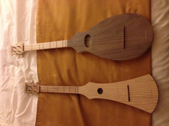 Appalachian Strings: Two upright dulcimers