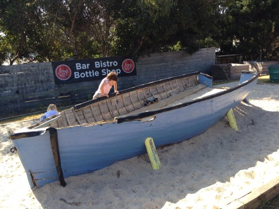 Aireys Pub: Boat for kids to play in