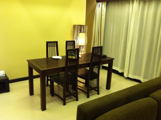 Kirikayan Luxury Pool Villas & Spa: Dining area