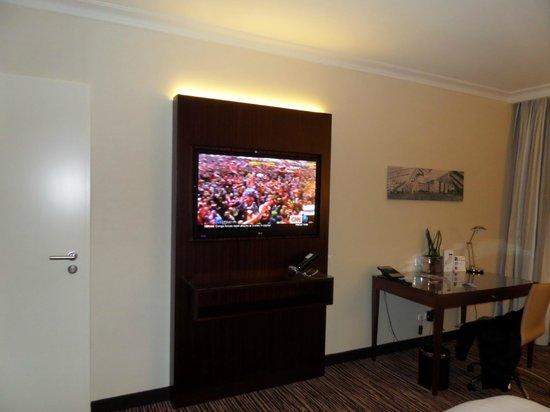 Berlin Marriott Hotel: TV