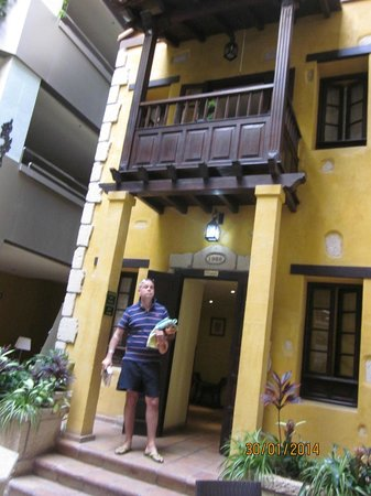 Paradise Park Fun Lifestyle Hotel: lift to the Solarium