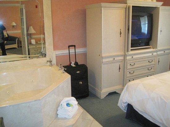 Radisson Resort at the Port: Gorgeous accommodations!