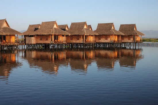Shwe Inn Tha Floating Resort : The Shwe Inn Tha Floating  Resort, as seen when you arrive by boot